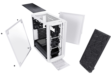 Close up of the Meshify C under the side panel showing space for bays