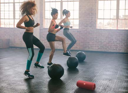 JBL Flip 5 speaker keeps pace as you work out at the gym